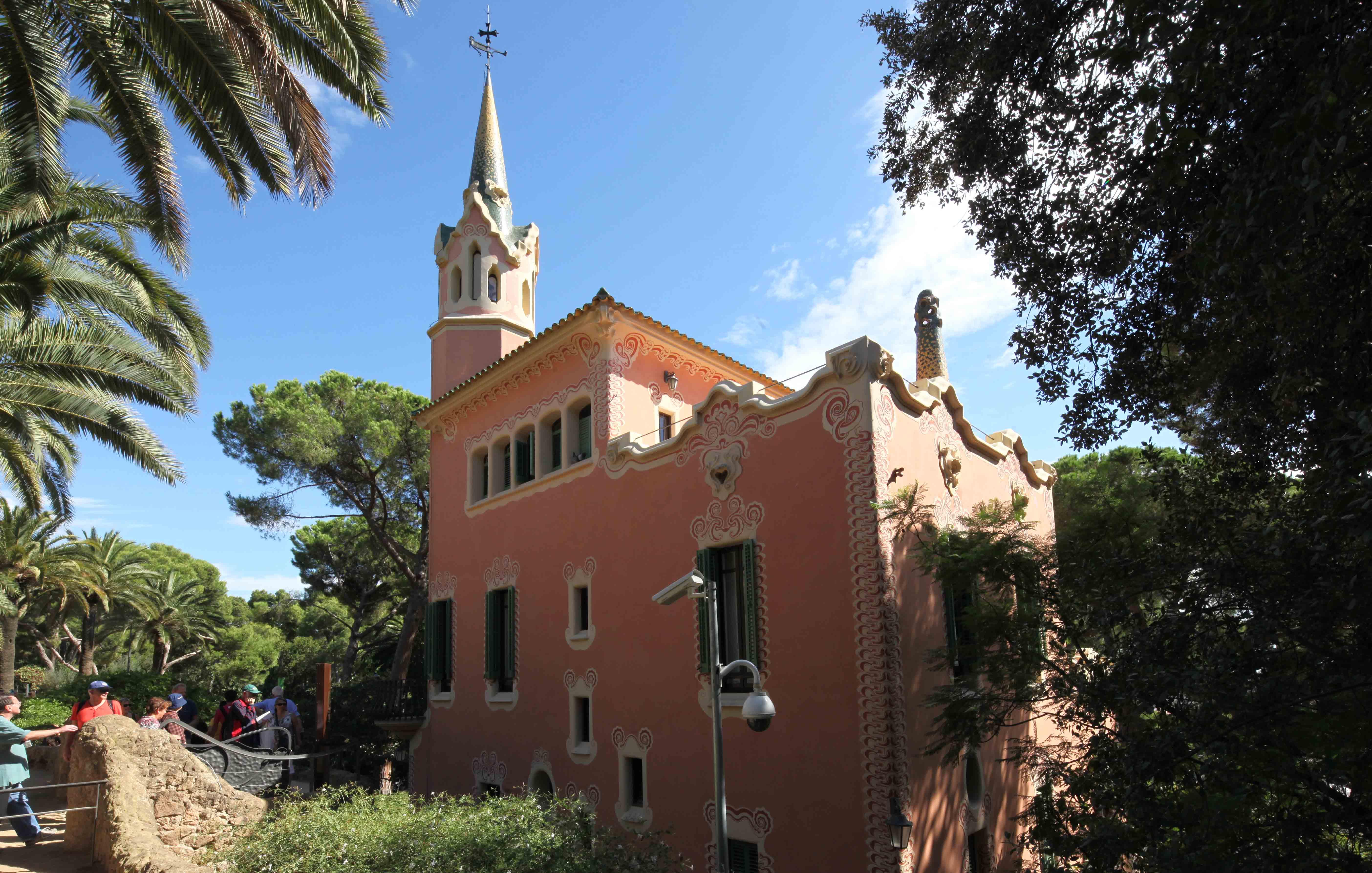 Barcelona g ell park gaudi muzeum jegy v rosk rty k - La maison barcelona ...